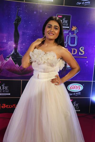 Shalini Pandey at the Zee Telugu Apsara Awards 2018.