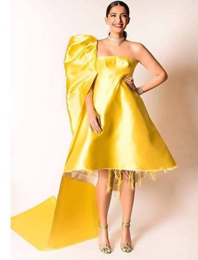 Sonam Kapoor, Sonam Kapoor latest photos, Sonam Kapoor fashion, Rhea Kapoor, Rhea Kapoor fashion, Rhea Kapoor Sonam Kapoor styling, Sonam Kapoor vintage fashion, Sonam Kapoor 70s style, Sonam Kapoor Grazia magazine, indian express, indian express news