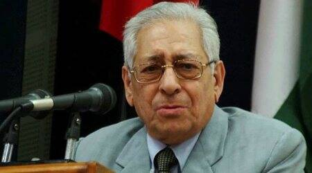 People's confidence in judiciary affected, ball in CJI's court to resolve issues, says SoliSorabjee