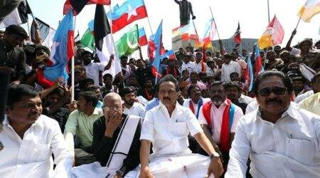 MK Stalin, Dinakaran begin march over Cauvery issue from Trichy