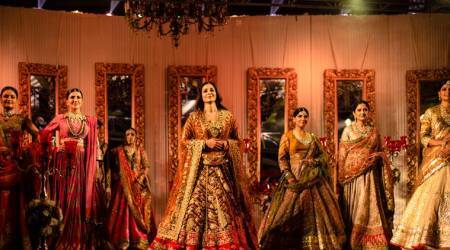 Tabu turns showstopper for Rimple and Harpreet Narula's Rajasthan-inspired couture collection