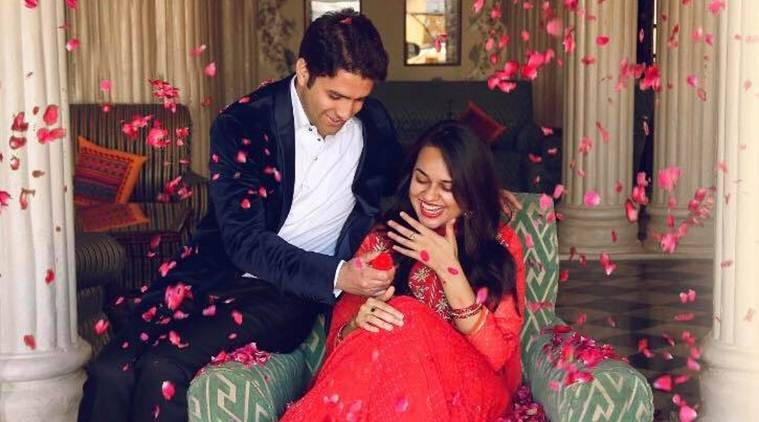 Tina Dabi, 2015 IAS topper, ties knot with runner-up Athar Shafi in Kashmir