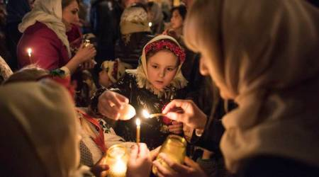 easter, easter 2018, orthodox easter, orthodox christians, easter vigil, easter Holy Fire, Holy Fire of jeruselam, orthodox easter photos, russia orthodox easter, world news,