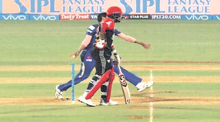 Royal Challengers bowl, leave out McCullum for Anderson