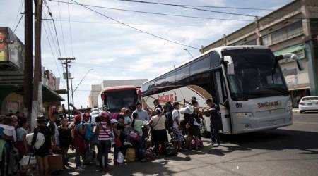 Bulk of families separated at US-Mexico border remain apart