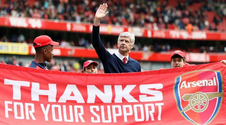 Arsene Wenger with a lap of honour in 2016