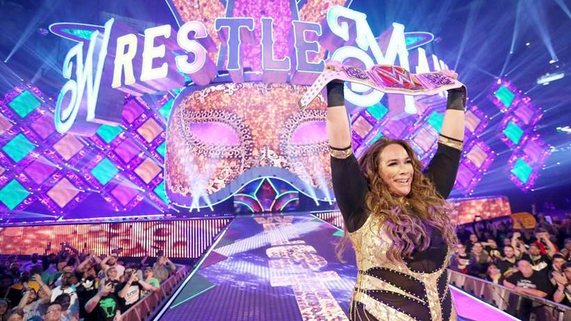 Nia Jax with her Women's title