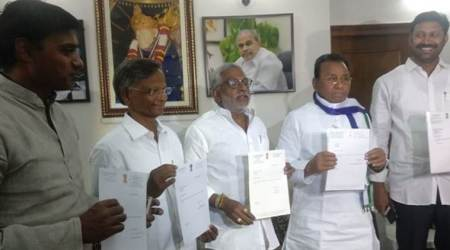 YSR Congress MPs resign from Lok Sabha over Andhra special status