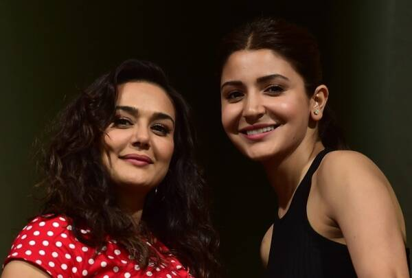 anushka sharma and priety zinta clicked during IPL match
