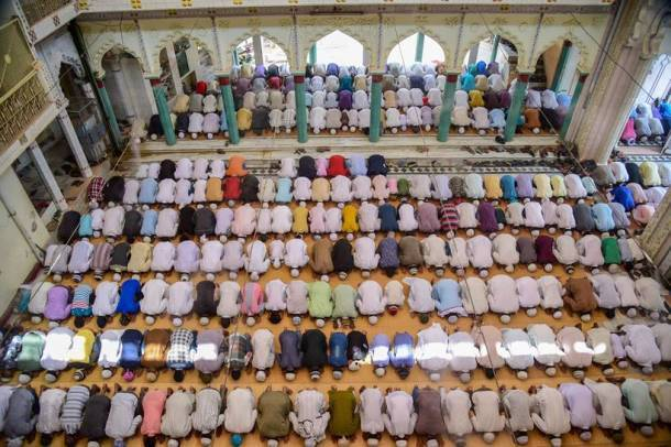 Holy month of Ramzan begins with fasting, feasting and faith