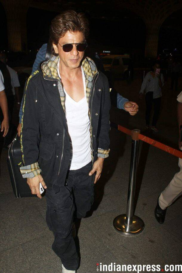 shah rukh khan at airport