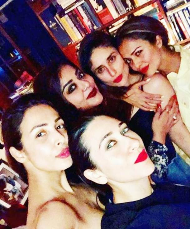 karisma kapoor, kareena kapoor khan party together