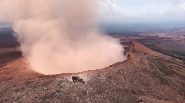 Hawaii's Kilauea volcano continues to keep residents on edge