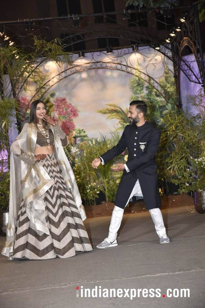 sonam kapoor and anand ahuja at their wedding reception