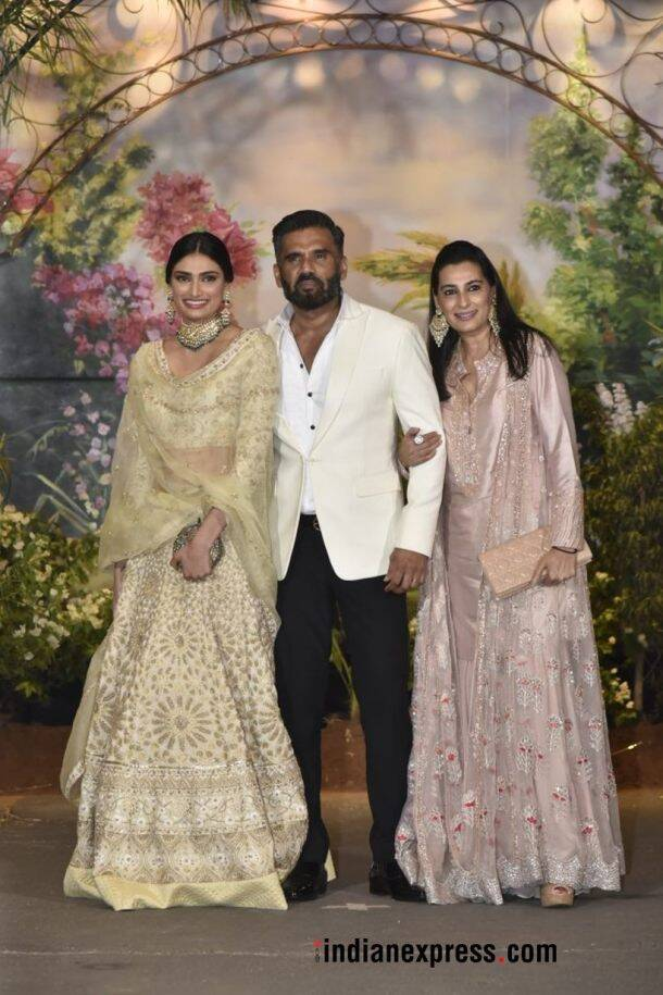 suniel shetty with mana and athiya shetty
