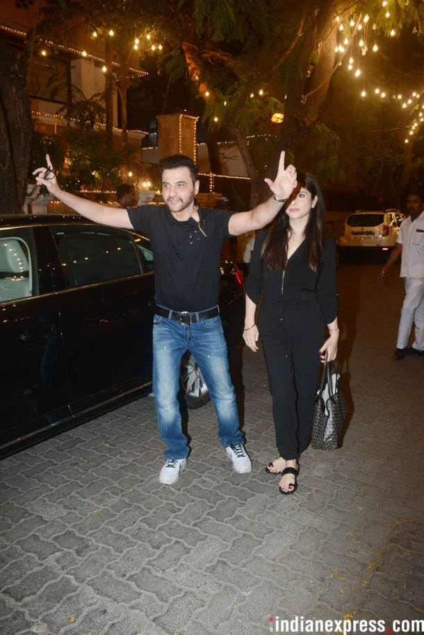 sanjay kapoor outside anil kapoor's house
