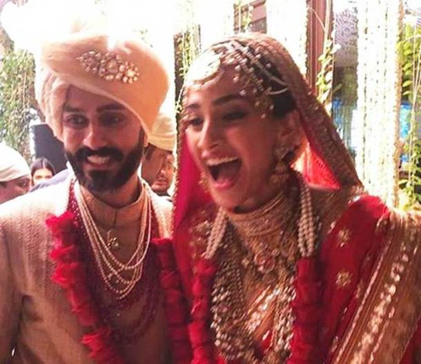 sonam kapoor and anand ahuja on their wedding