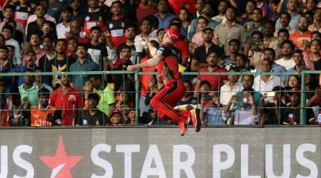 IPL 2018: AB de Villiers pulls off stunning one-handed catch to dismiss Alex Hales, watch video