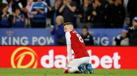 Jamie Vardy strikes again as Leicester City beat 10-man Arsenal3-1
