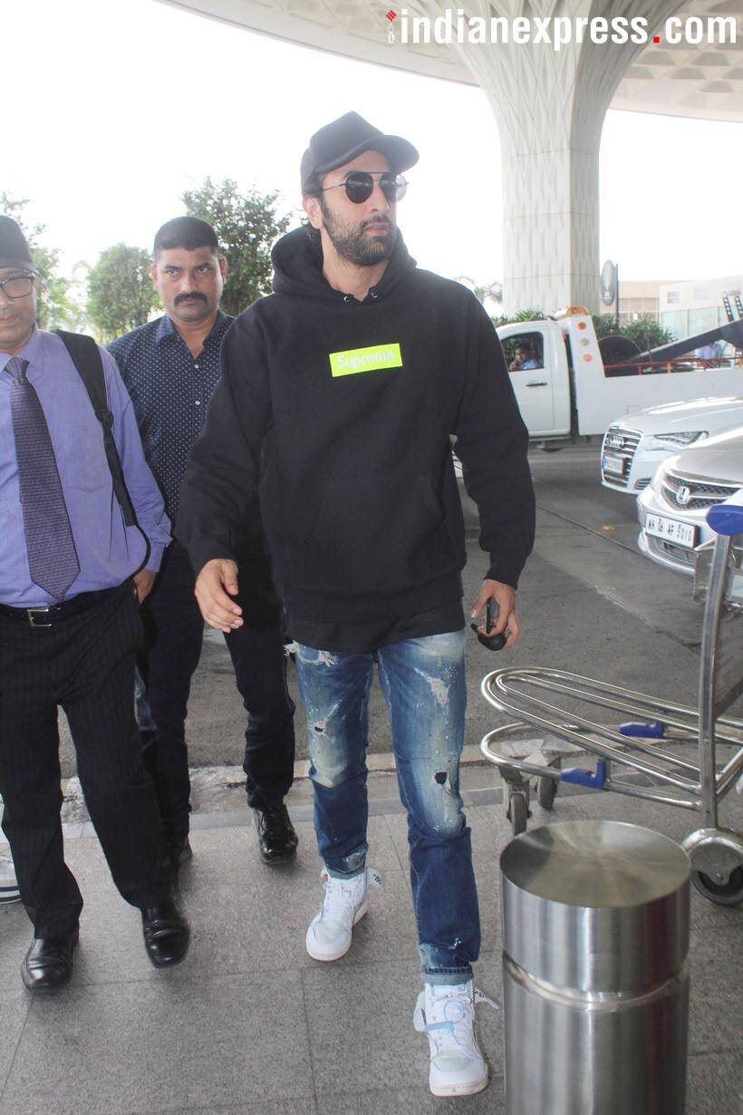 sanju actor ranbir kapoor spotted at airport