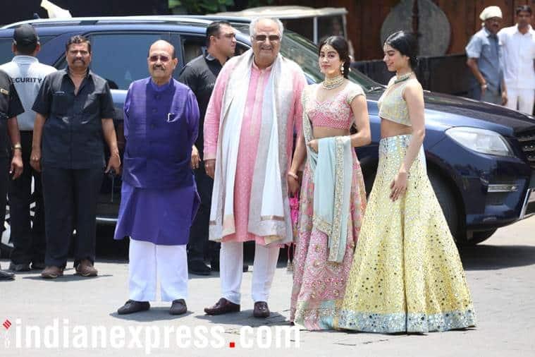 jahnvi kapoor and khushi kapoor at sonam kapoor's wedding