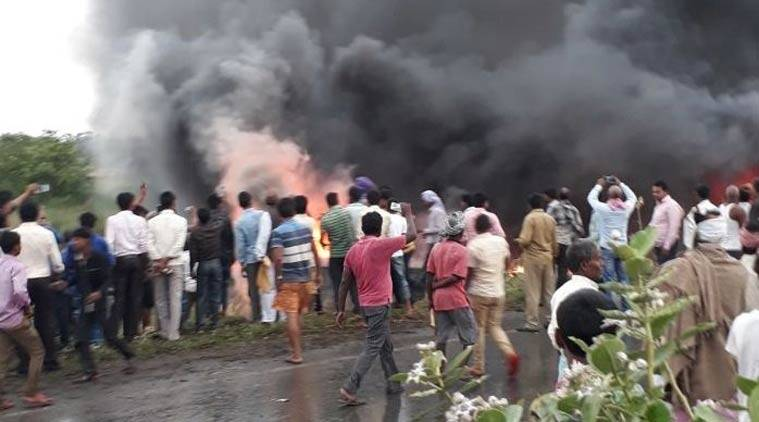 27 killed as bus overturns, catches fire in Motihari