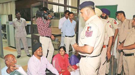 Chandigarh: Badnore listens to grievances, asks for action taken report within 10days