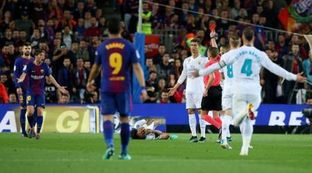 Barcelona defender Sergi Roberto sent off against Real Madrid in la Liga
