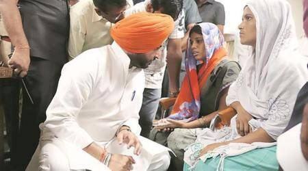 Ludhiana cylinder blast: Kin of victims get Rs 1-lakh compensationcheques