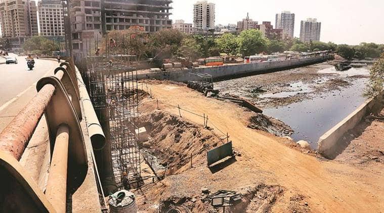 mumbai metro construction, mumbai metro 2a, Dahisar river, DMRC, Mumbai Metro Rail Corporation