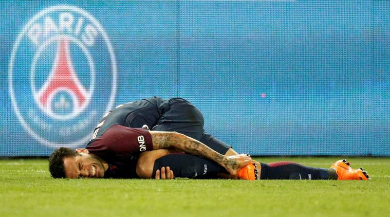 Brazil defender Alves ruled out of World Cup with knee injury