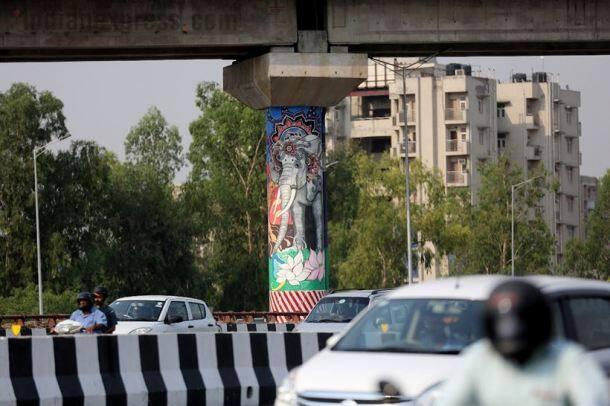 Delhi-Meerut Expressway, wall art, warli