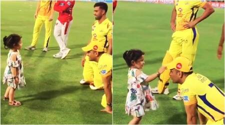 Video: Dhoni playing with his daughter Ziva is the MOST BEAUTIFUL thing on the Internet