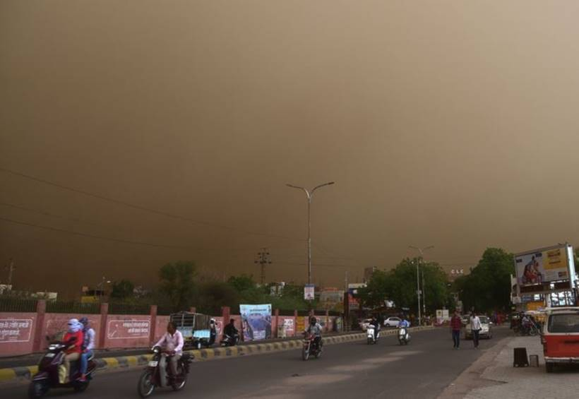 Dozens killed and scores more injured by dust storm in India