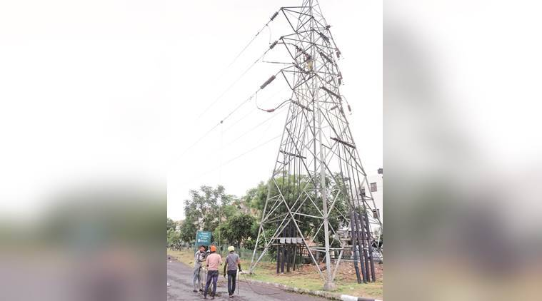 mohali, punjab, thunderstorm, power outage, electricity pole damaged, weather, PSPCL, indian express