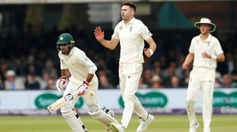 Pakistan wrap up nine-wicket win as England wilt before lunch