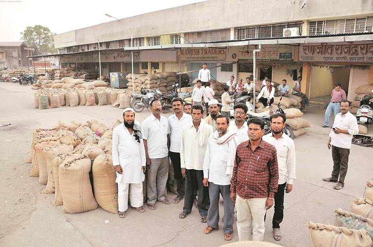 agriculture, farmers mandi, agriculture produce market, crop price, msp, maharashtra farmers, indian express