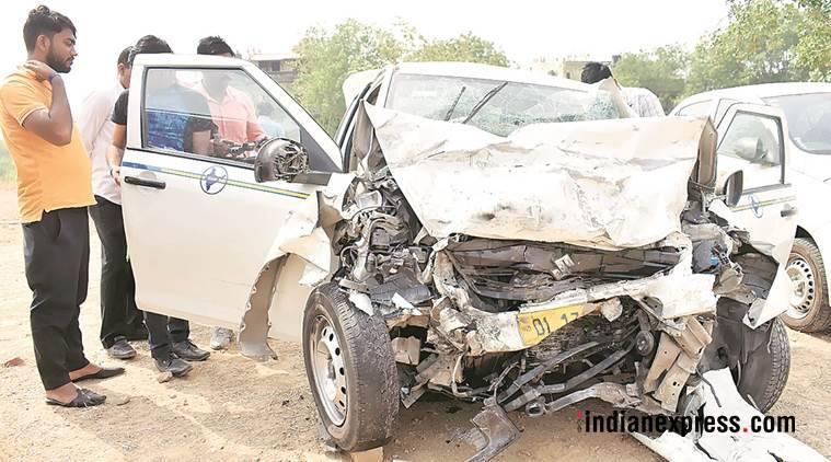 gurgaon, road accident, gold coarse road, dlf phase 1, cyber city, delhi ncr, indian express