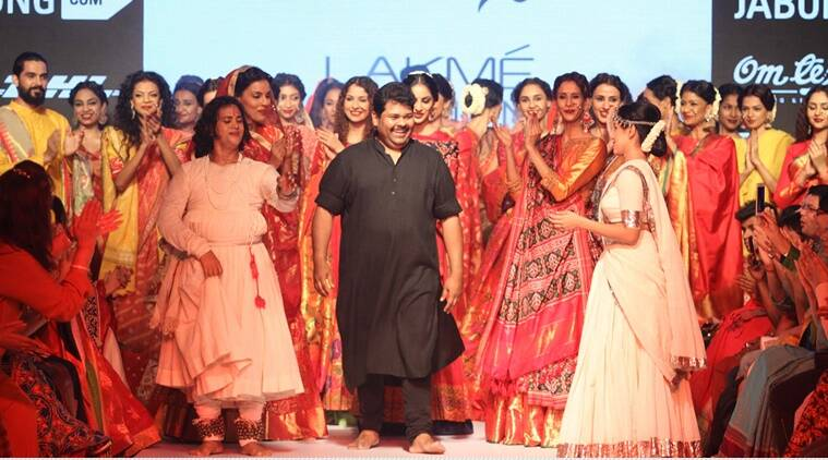 Revealing the elements of his new chiffon in handlooms creations, Shah said it is a beginning of 'Handloom Chiffon', breaking away from its symbolic past.