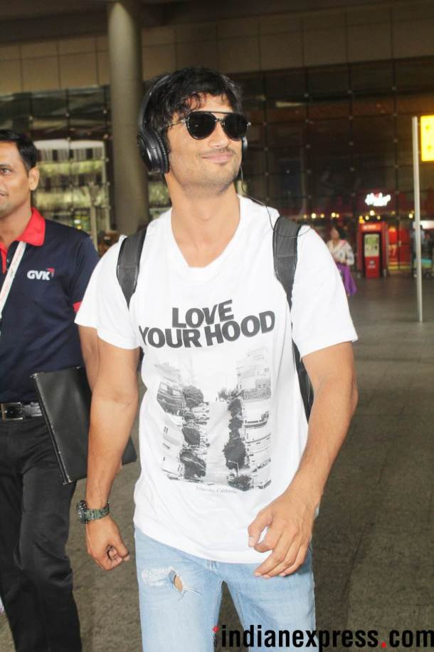 sushant singh rajput at airport