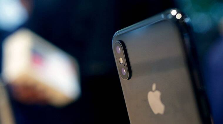 Some iPhone X users complain about cracked camera lens