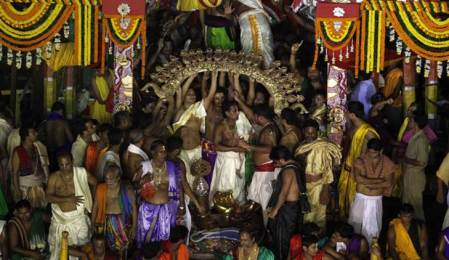 Kendrapara's Jagannath temple management deliberates to remove barricade for darshan