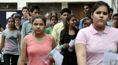 JEE Advanced 2018 LIVE: Exam concludes; students' rate paper one easy compare to paper two