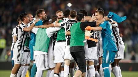 Juventus clinch seventh title in a row with 0-0draw