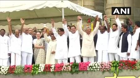 Show of strength in Karnataka: Opposition's unity at Kumaraswamy's swearing-in could make Modi uneasy