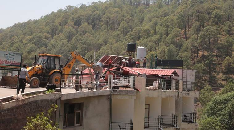 Himachal employee injured in shooting during Kasauli demolition drive dies