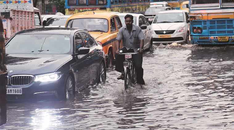 Kolkata waterlogged; heavy rain likely in western parts of state