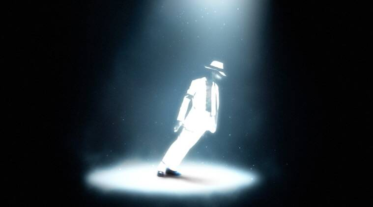 How King of Pop Michael Jackson leant 45° without falling over