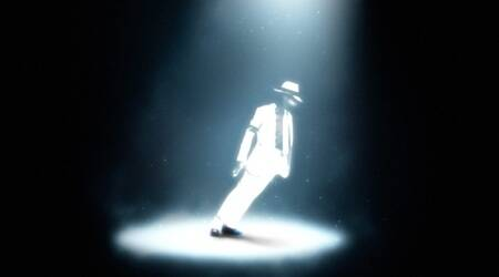 How King of Pop Michael Jackson leant 45° without fallingover
