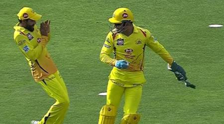 IPL 2018: MS Dhoni surprises Ravindra Jadeja with dummy throw for laughs, watch video